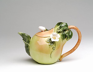 Porcelain Decorative Pear Teapot