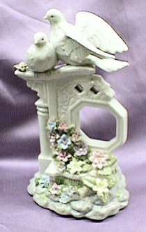 Musical Doves on a Porcelain Pedestal #80001