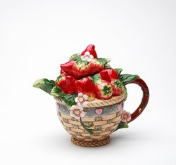 Porcelain Decorative Strawberry Teapot #10191TP