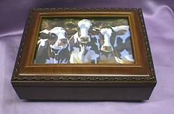 Cow Dairy Queens Rosewood Music Box # 3cows
