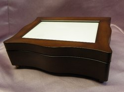 Woodgrain Scalloped Musical Jewelry Photo Box #SP3014